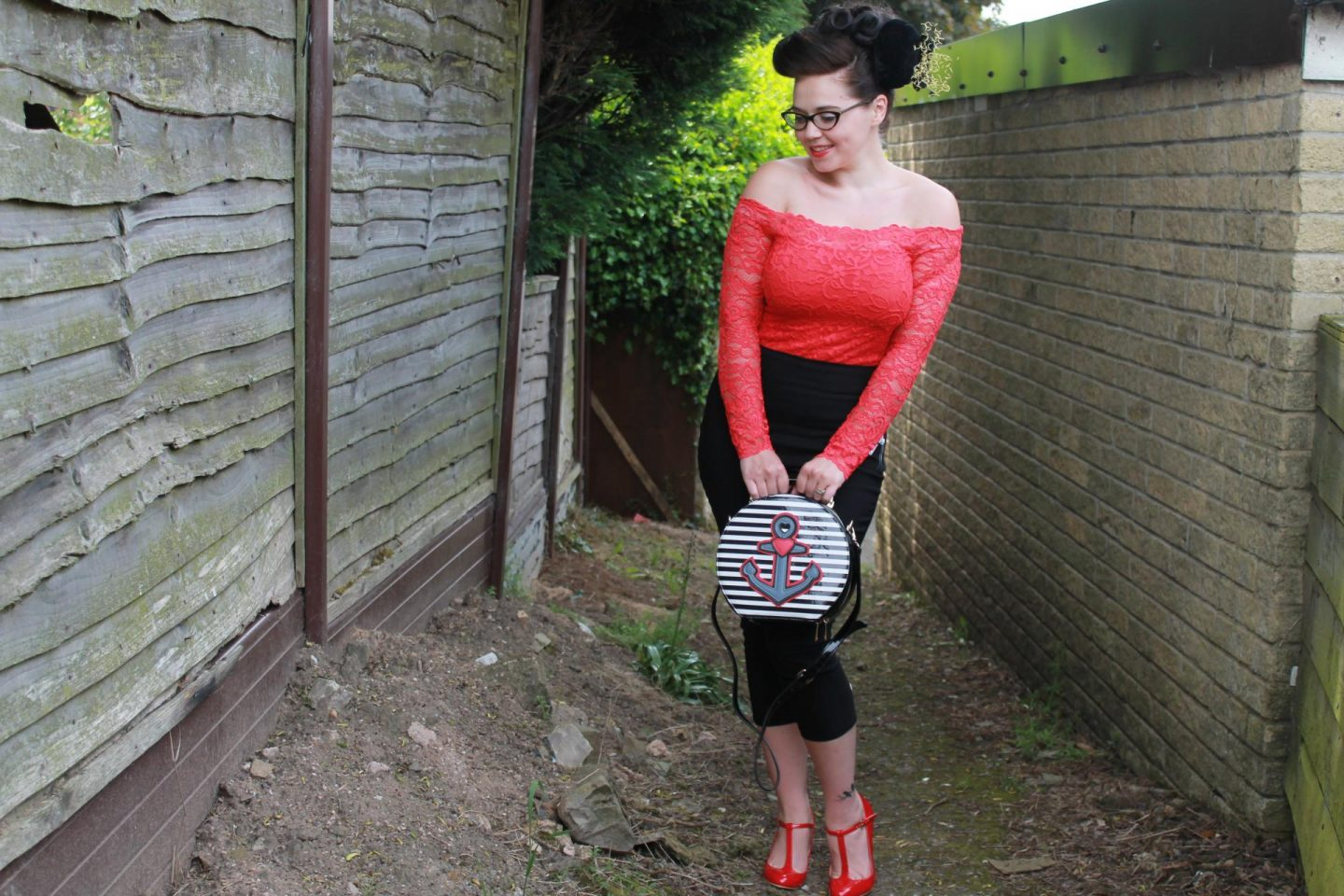 Rockabilly Pinup | Hell Bunny Swallow Capri Pants, Heart and Anchor Bag & Red Lace Bardot // OOTD